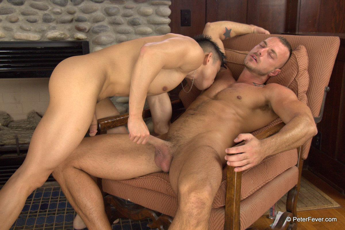 Peter-Fever-The-Asiancy-Peter-Lee-and-Jessie-Colter-Big-Cock-Asian-Guy-Fucking-White-Muscle-Guy-Amateur-Gay-Porn-10 Big Asian Cock Stud Fucks A White Muscle Guy In His Bubble Butt